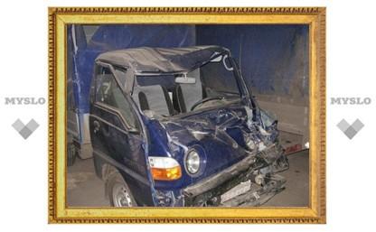 В Туле на Одоевском шоссе погиб водитель «Хендай Портер»