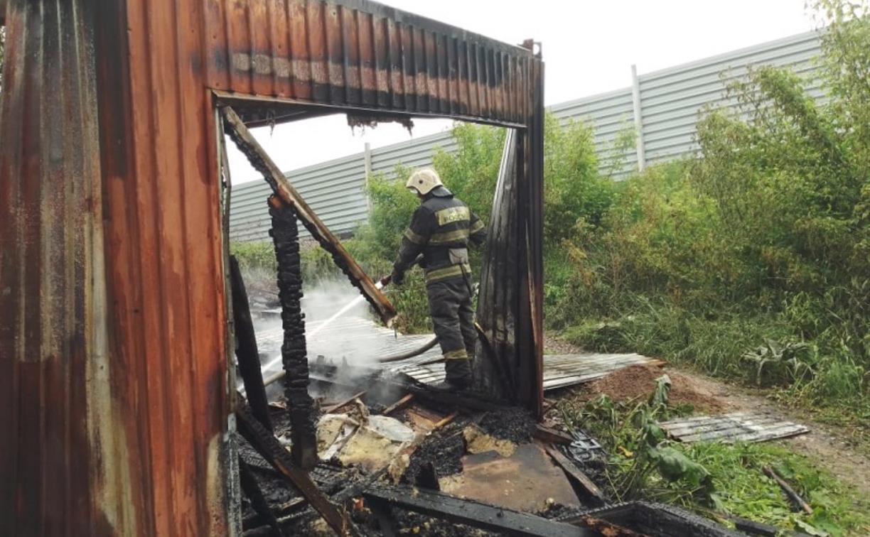 В Туле сгорел строительный вагончик: погиб человек