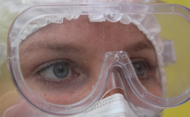 Эксперт назвал три причины, почему некоторые люди могут не заболеть коронавирусом