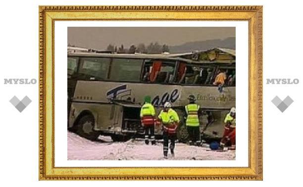 Под Тулой перевернулся пассажирский автобус