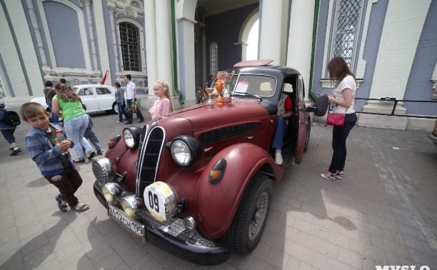 «Автострада-2018» в Туле: печка-самоход, шериф и вечная классика