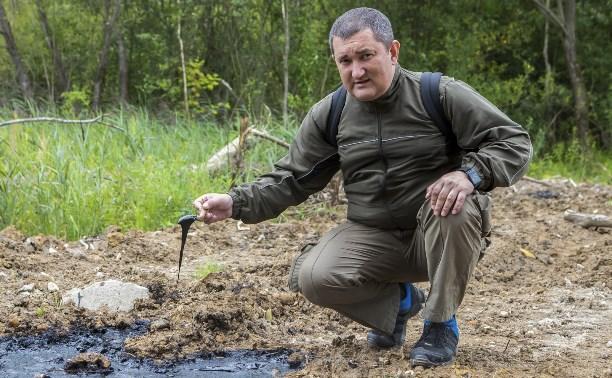 Экологическая бомба в Туле: из зарытой в земле ёмкости сочится мазут
