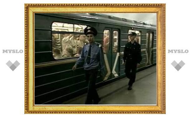 В Петербурге и Москве обезвредили банду торговцев поддельными документами