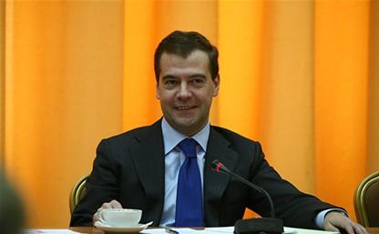 Дмитрий Медведев поздравит выпускников-медалистов из Алексина