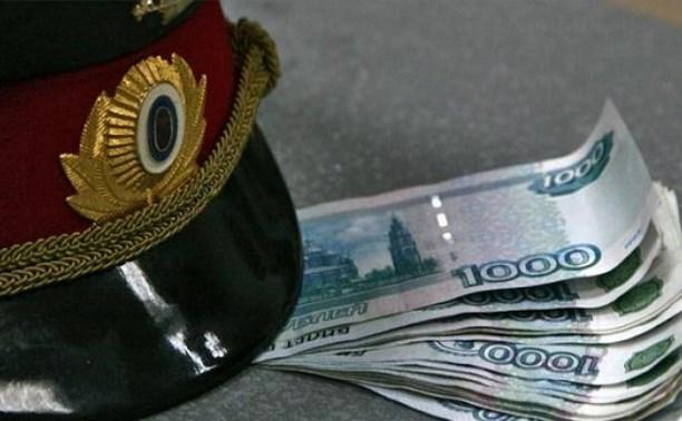 Тулячка хотела дать взятку полицейскому, спрятав деньги в Административный кодекс
