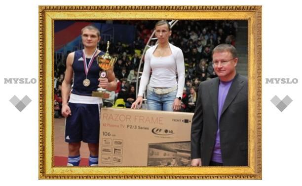 Вячеслав Дудка подарил тулячке телевизор
