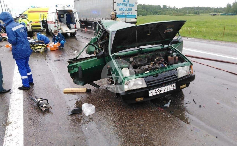 В Тульской области на трассе М-2 в ДТП пострадали три человека