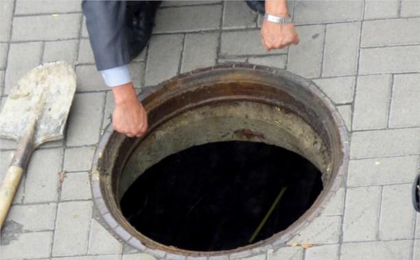 Жителей Щёкино поймали на воровстве крышек от канализационных люков