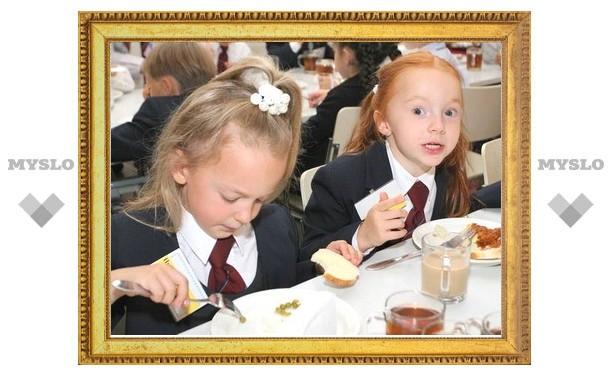 Под Тулой школьников морили голодом и кормили «просрочкой»