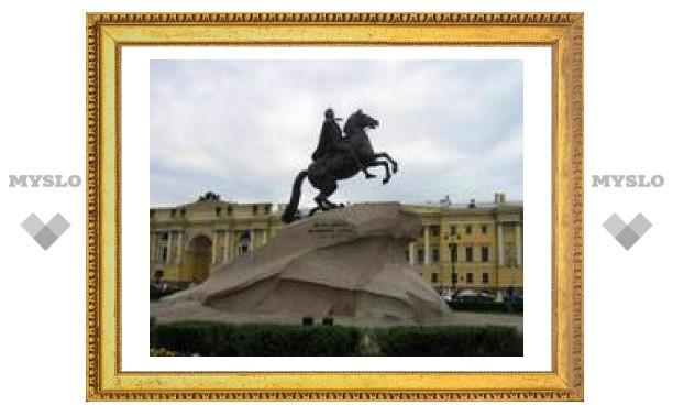 8 мая: Столица переехала в Санкт-Петербург.
