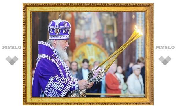 В праздник Воздвижения Креста Господня Святейший Патриарх Кирилл совершил Божественную литургию в Храме Христа Спасителя