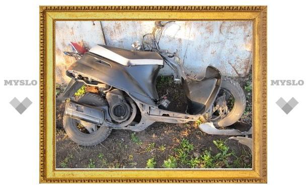 В Тульской области иномарка сбила скутериста