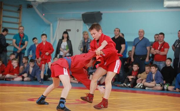 В Алексине соберутся лучшие юные самбистки страны