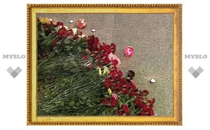 """На акцию памяти жертв теракта в """"Домодедово"""" пришли три тысячи человек"""