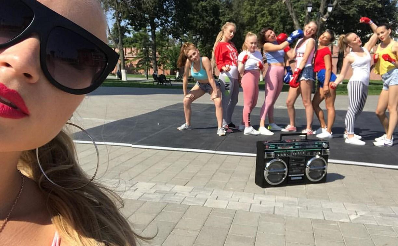 Твёрк и хип-хоп: тулячки снялись в ролике в поддержку сборной России по боксу