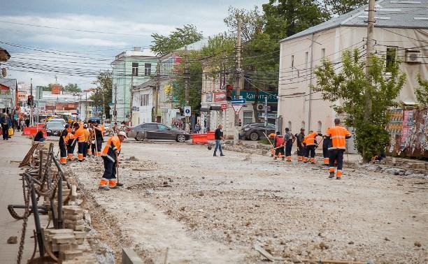 На улице Каминского ремонтируют дорогу
