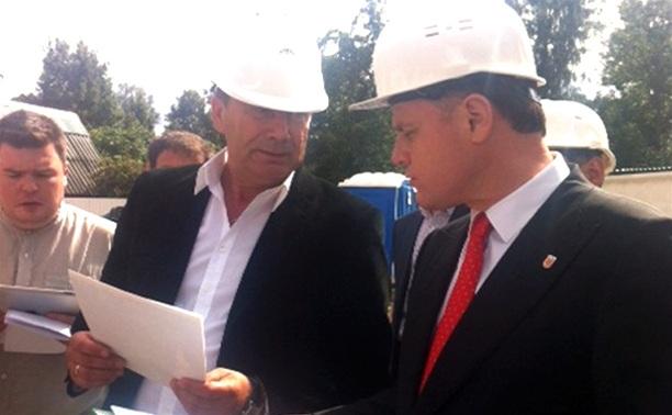 Владимир Груздев проинспектировал стройку выставочного центра