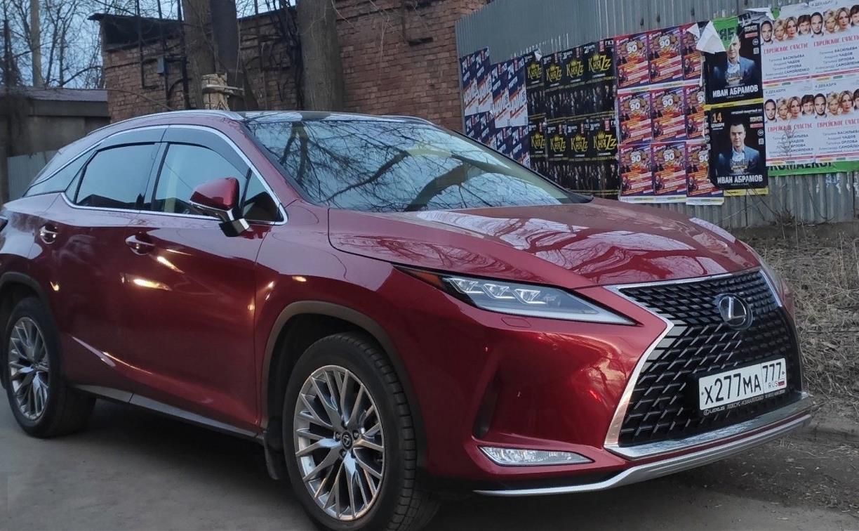 В Туле за сутки угнали второй красный Lexus