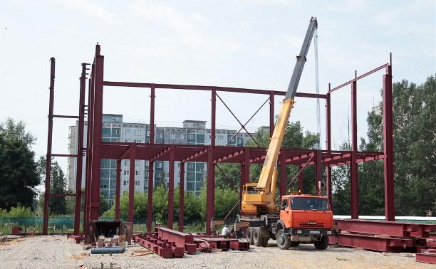 На каком этапе находится строительство теннисного центра и центра художественной гимнастики?