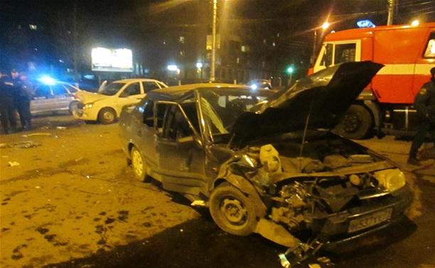 В аварии на ул. Фрунзе пострадали дети
