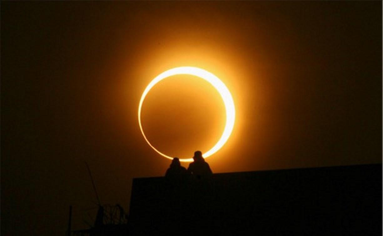 Тульских школьников заставляли смотреть солнечное затмение без защиты
