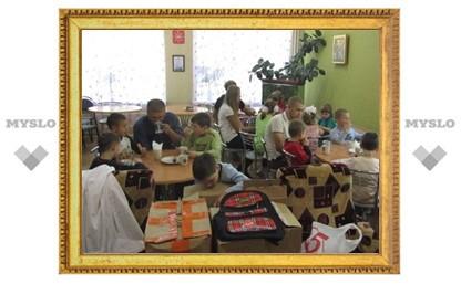 Молодежь Тулы собрала подарки для сирот