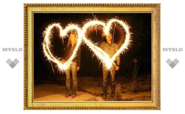 Влюбленные всего мира отмечают 14 февраля День святого Валентина