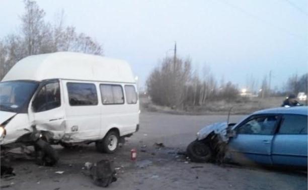 В Донском пьяный водитель на «Фольксвагене» протаранил «Газель»