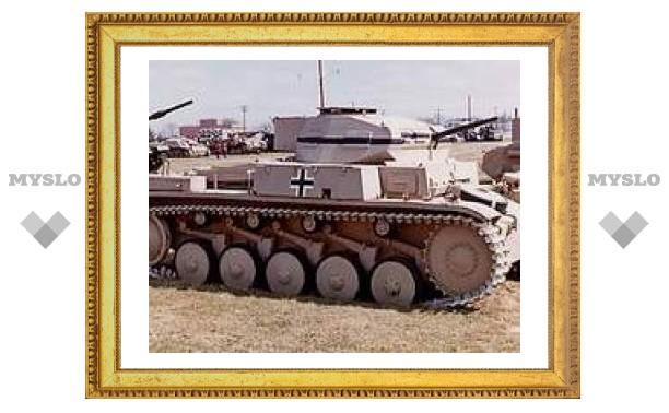 Фашистский танк подарили тульским школьникам