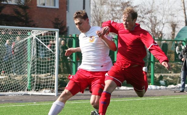 В Новомосковске футбольные «Химики» разошлись миром