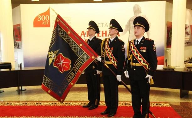 В Туле прошла церемония крепления к древку полотнища знамени регионального УМВД