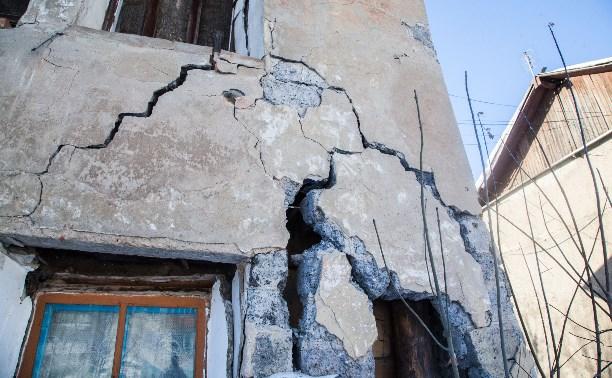 В Донском рухнула стена жилого дома