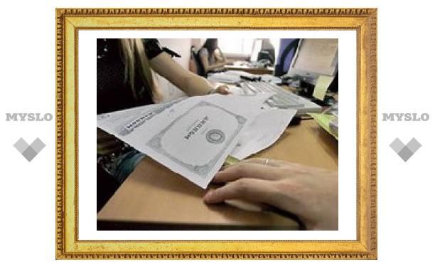 В Алексине осудили судебного пристава