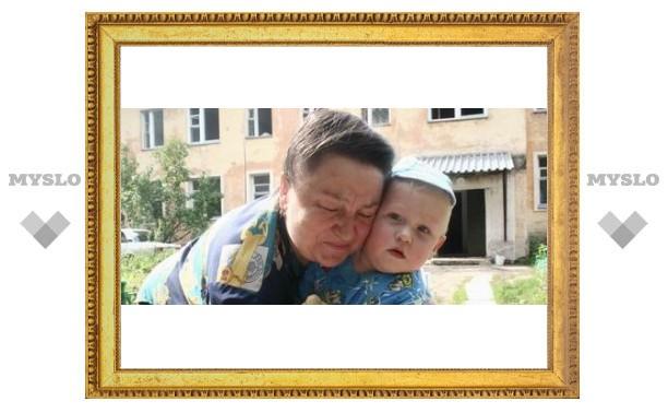 Внука отправили в детдом при живой бабушке