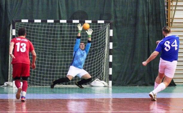 В 29-м туре Высшей лиги ЛЛФ по мини-футболу «АБ-Х» громит «ТЭК»