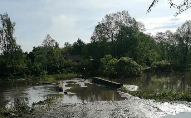 В Тульской области с моста сошла вода – через реку Веневка открыто движение