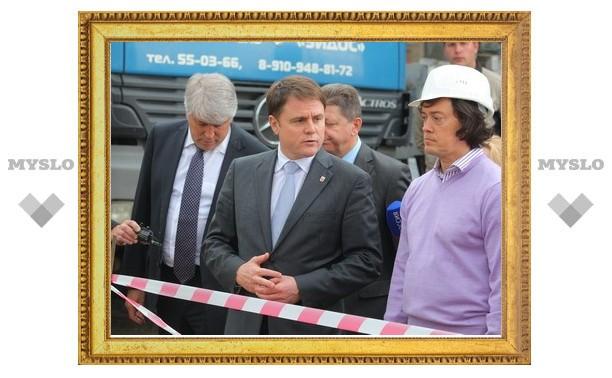 Губернатор лично проверил ход строительства бассейнов около ТулГУ и ТГПУ