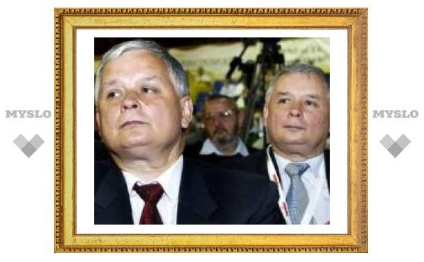 Варшавский суд разрешил называть Качиньских утками