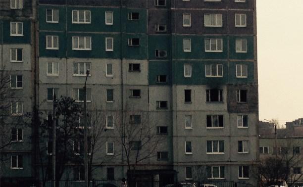 В пожаре на улице Металлургов пострадали женщина и 12-летняя девочка