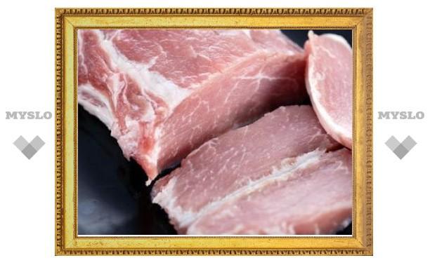 Россия запретила ввозить мясо с большинства предприятий Украины