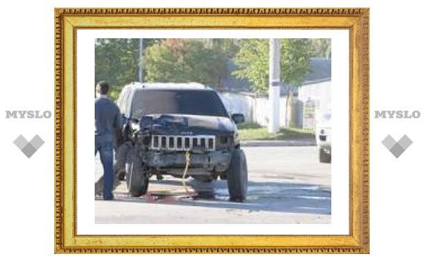 В Туле грузовик протаранил джип