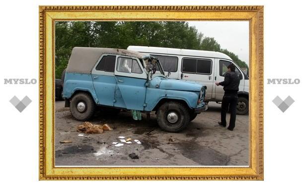 Под Тулой столкнулись «УАЗ» и «Mitsubishi»