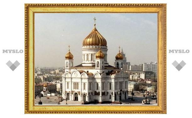 В храмах России молятся о жертвах теракта в Беслане