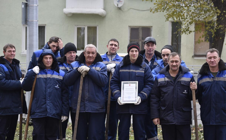 Коллектив ООО «Полипласт Новомосковск» высадил кленовую аллею