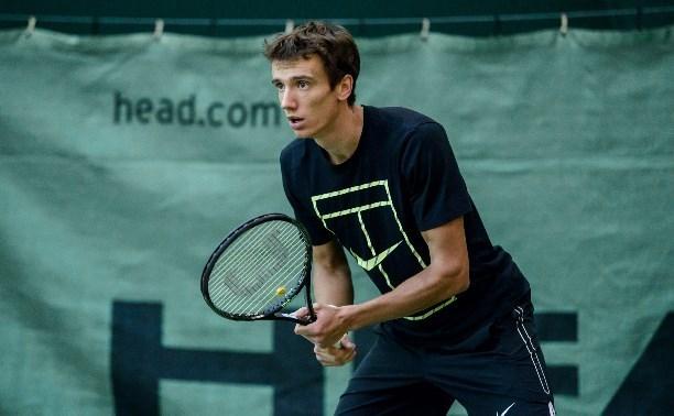 Андрей Кузнецов начал с победы в Кубке Дэвиса