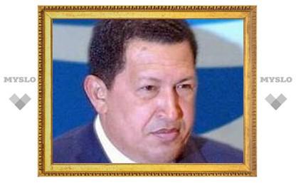 """Уго Чавес обозвал католического иерарха """"попугаем"""" и """"клоуном"""""""