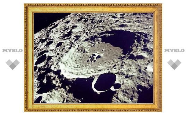 Внутренности Луны оказались влажными