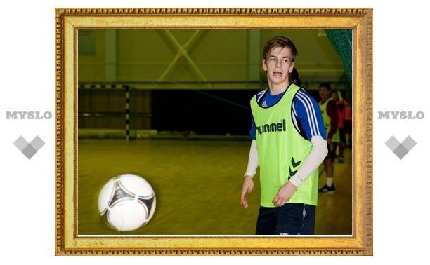 Тульский «Арсенал» присматривается к новому защитнику