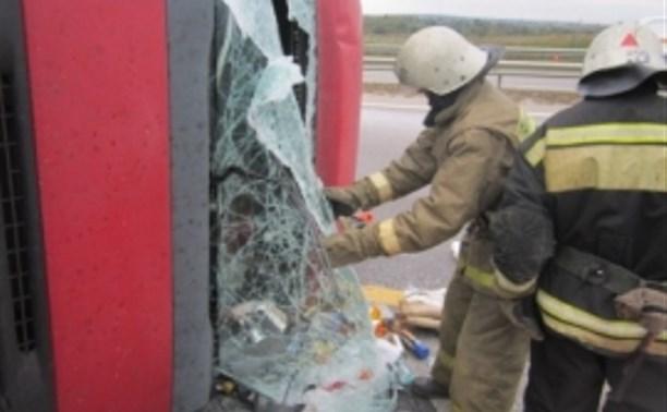 На М-4 «Дон» перевернулся грузовик: водитель погиб на месте происшествия