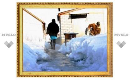 В Скуратове прорвавшийся водопровод затопил несколько домов